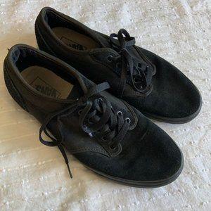 Vans black classic lace up sneaker size 10.5